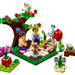 2017 Seasonal LEGO Set 40236 Romantic Valentines Picnic